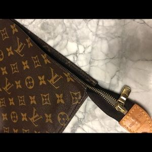 NWT AUTHENTIC Louis Vuitton toiletty pouch